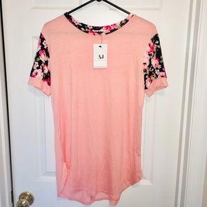 BNWT Amelia James Floral Sleeve Pink Top